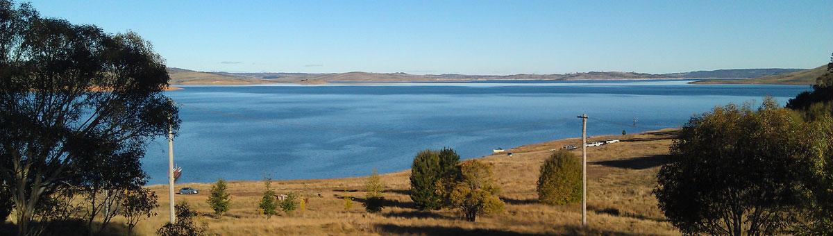 Lake Jindabyne panorama