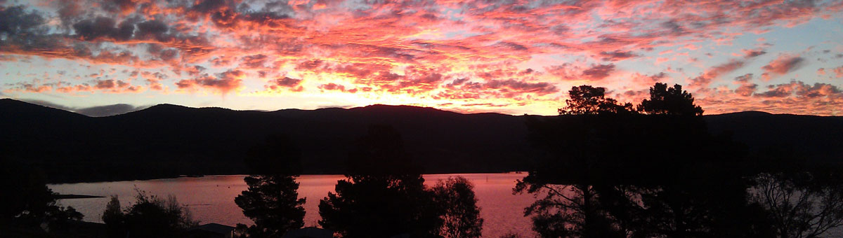 Lake Jindabyne sunset panorama